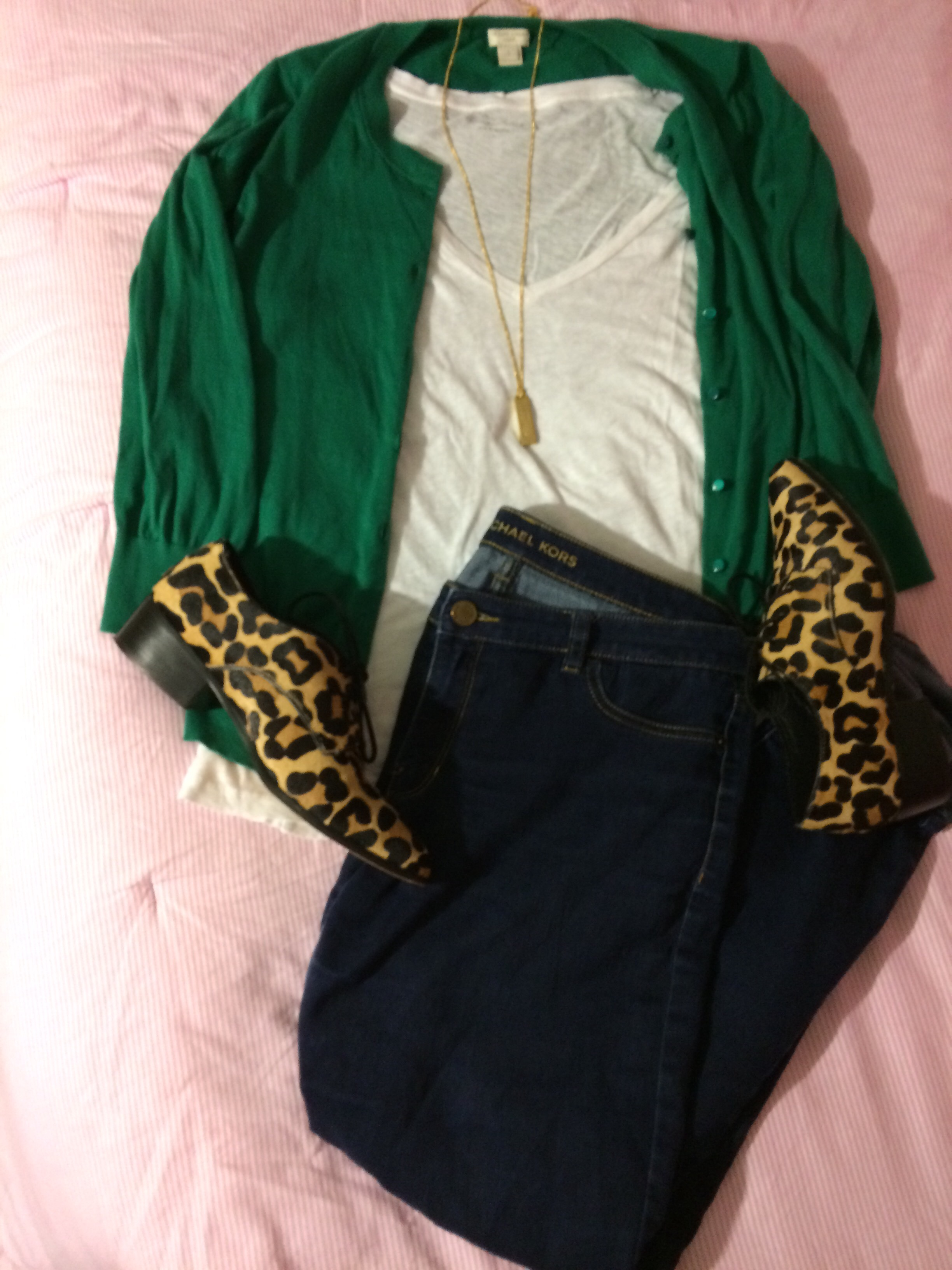 white t-shirt style idea with leopard shoes