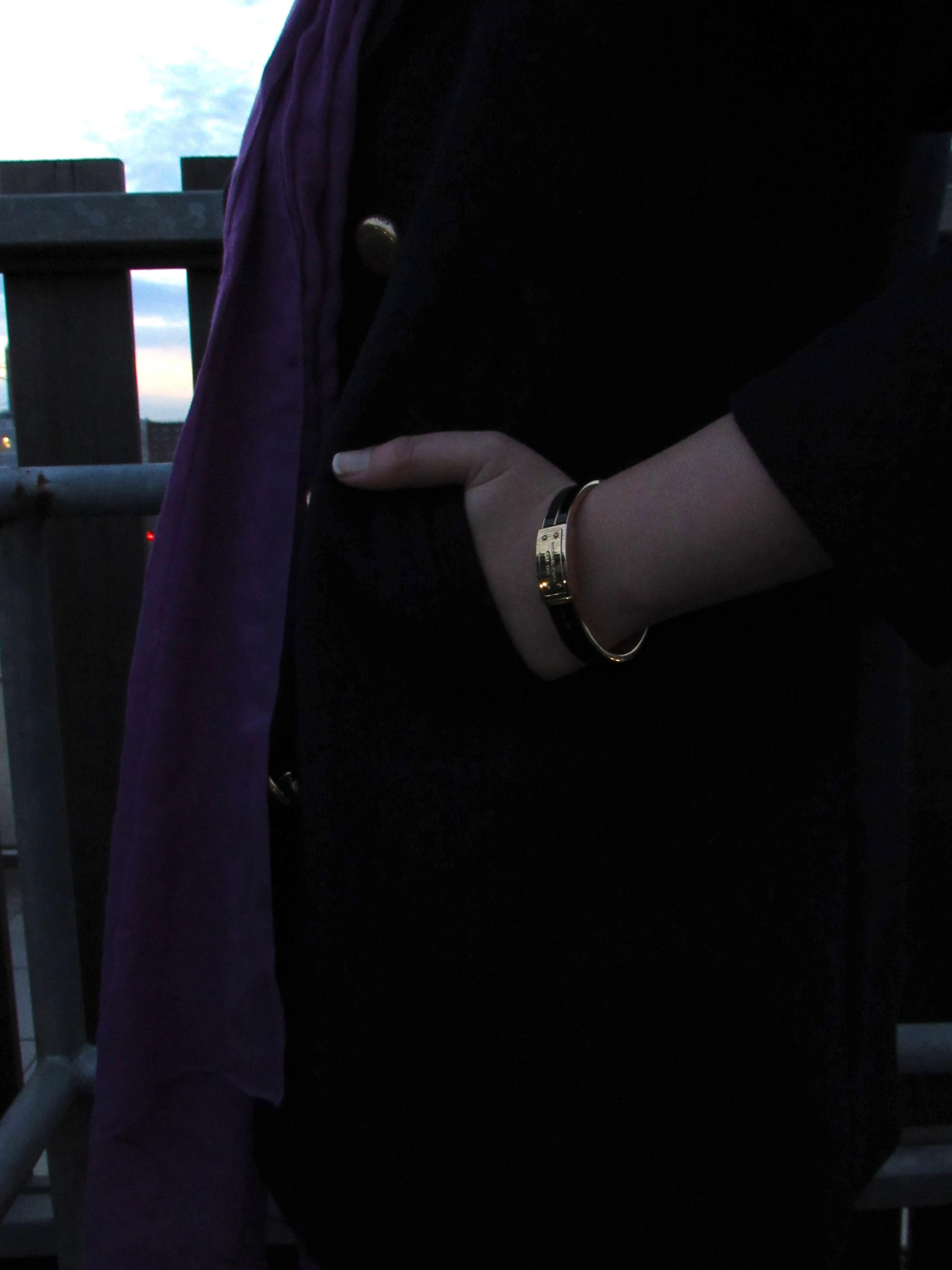Michael Kors black and gold bangle on StylisticReaction
